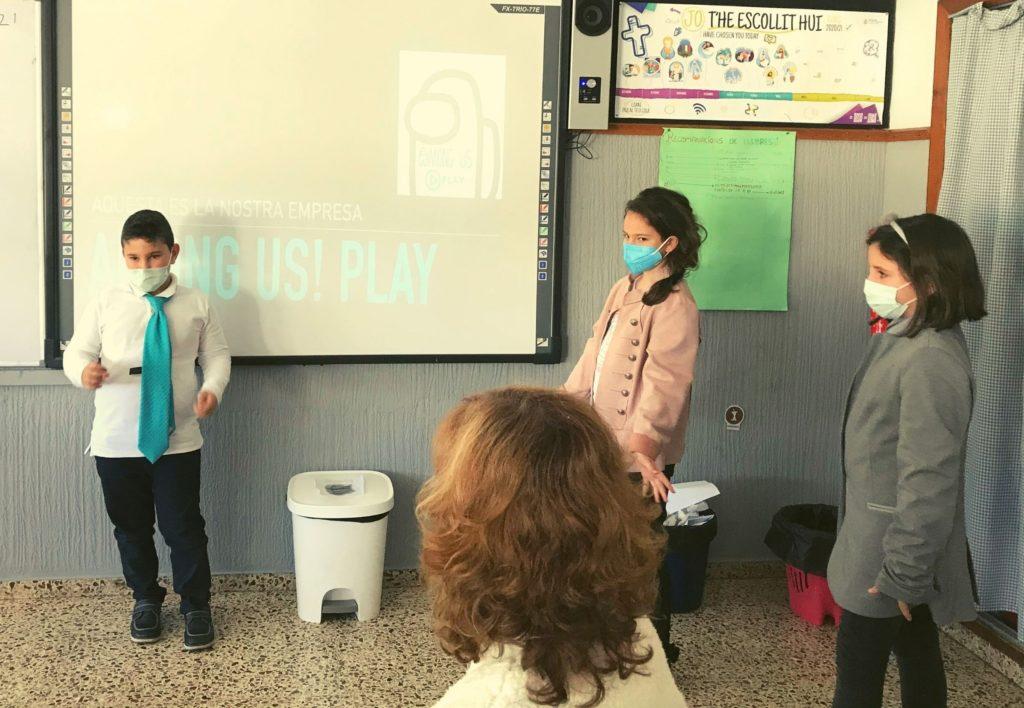 Presentación proyecto aula empresa en el colegio Santa ana de Villalonga